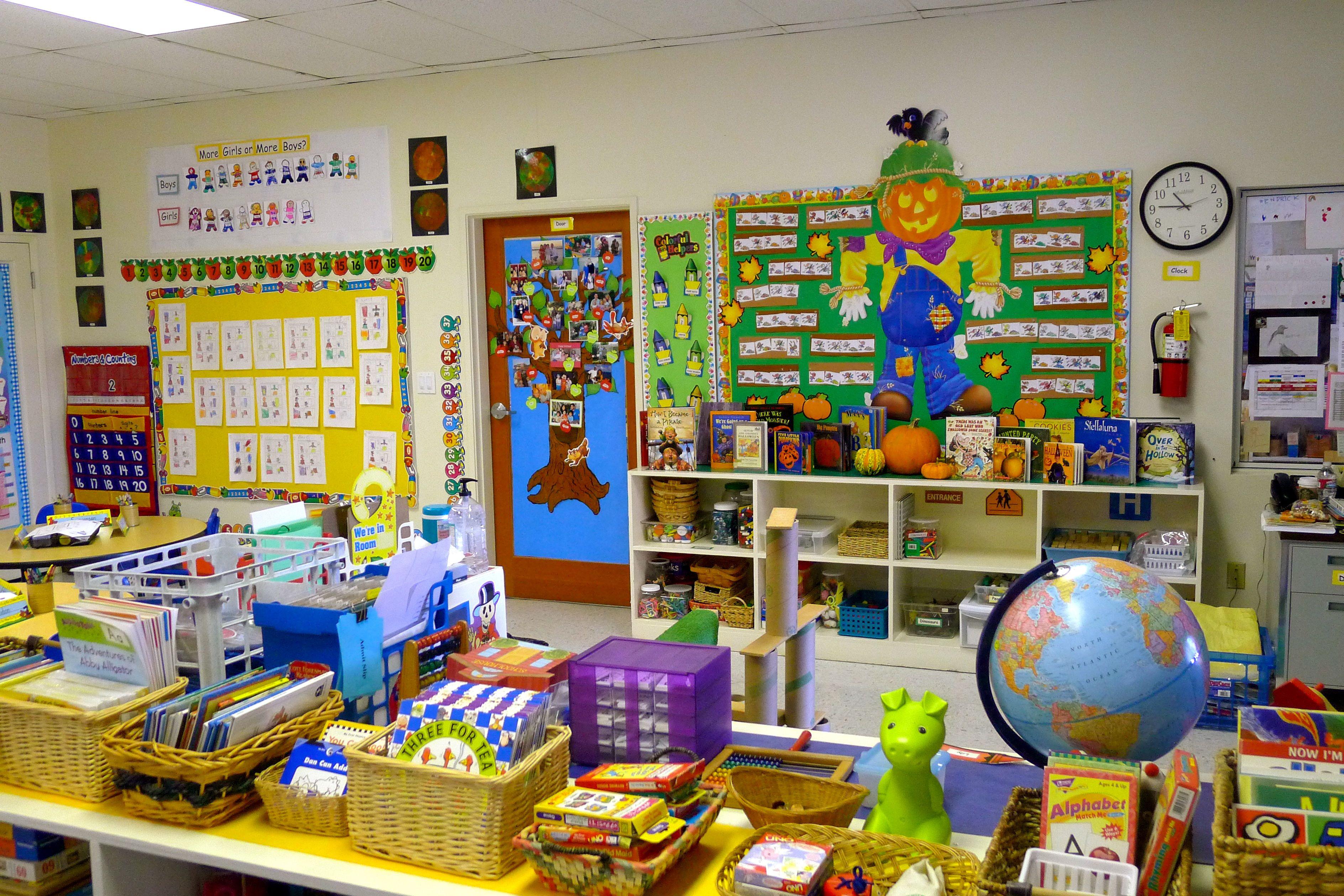 The 25 best ideas about kindergarten interior on pinterest - Kindergarten Classroom Background Www Galleryhip Com